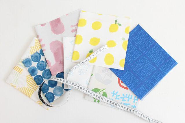 34cm×34cmのミニサイズハギレが4枚セットになった、nunocoto fabricのハギレセットです。 毎月第1土曜日のおたのしみ! 各セット30個ずつの限定数量で販売します。