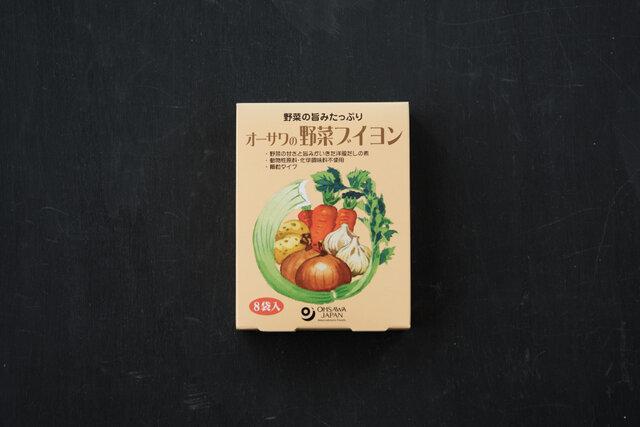 砂糖・動物性原料・添加物不使用。生姜と香辛料がほどよくきいた奥深い味わい。中華スープ、野菜炒め、チャーハンなどさまざまな中華料理に。1包で2~3人分です。