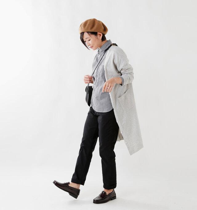 model yama:167cm / 49kg color : gingham / size : 0  ロングカーディガンとローファーを合わせれば、清潔感漂う上品なスタイルに。どんなアイテムもスッキリとまとめてくれます。