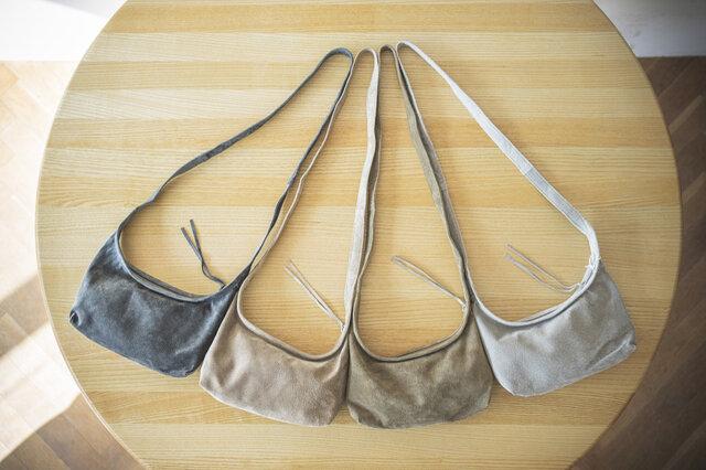 左から、dark gray / beige / khaki / light gray