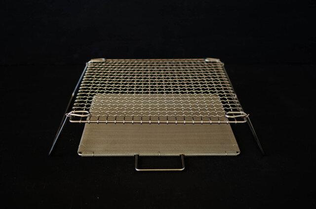 焼網をオーブンに入れて、お肉等のオーブン料理に使うことも可能です。また、ケーキクーラーなどにもお使いいただけます。