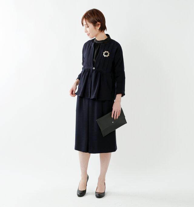 model yama:167cm / 49kg color : navy / size : 40  セットアップで着られる同素材のジャケットも、シリーズ商品でご用意しています。