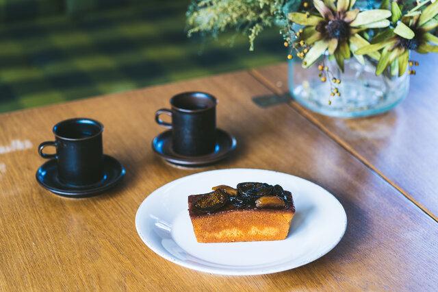 お料理はもちろんのこと、シンプルなお皿なのでケーキやデザートを盛りつけても素敵。