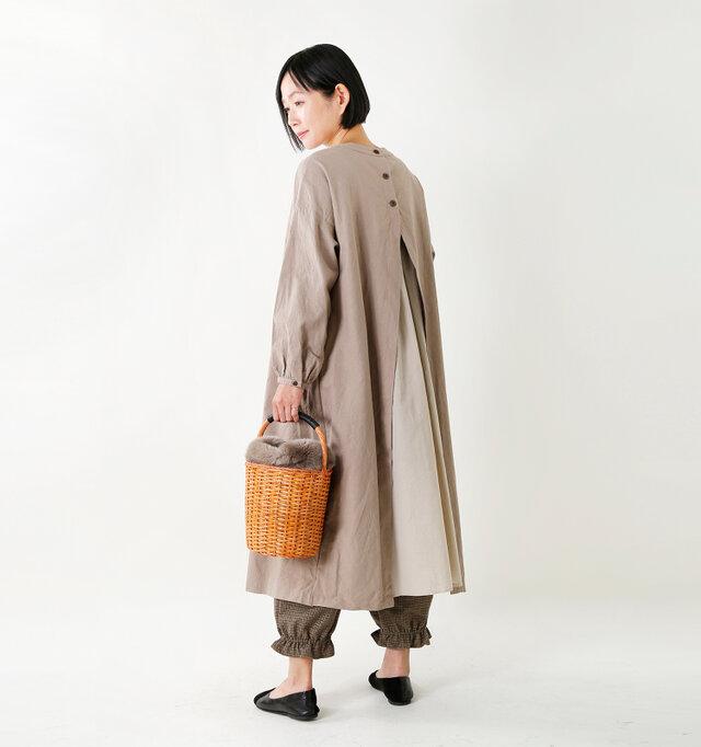 model mayu:158cm / 48kg color : greige / size : 38