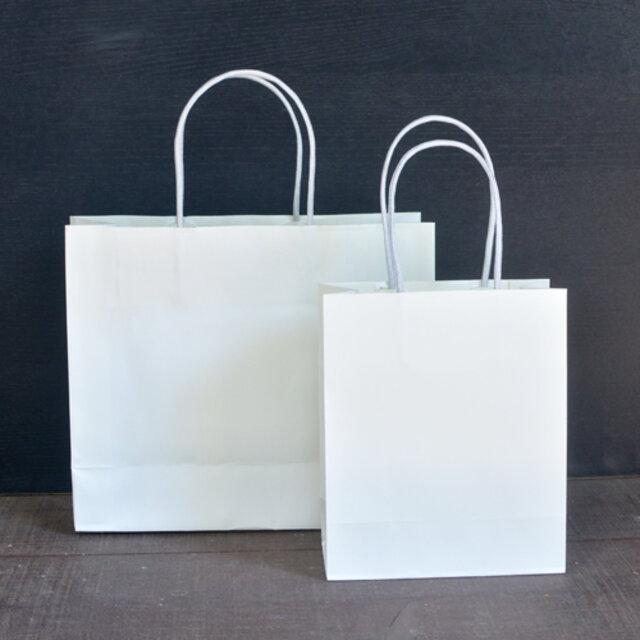 詰め合わせセットには紙袋がおすすめです。 日和ギフトセット、コーヒーさんぼんギフトセットには、紙袋(大)がおすすめです。