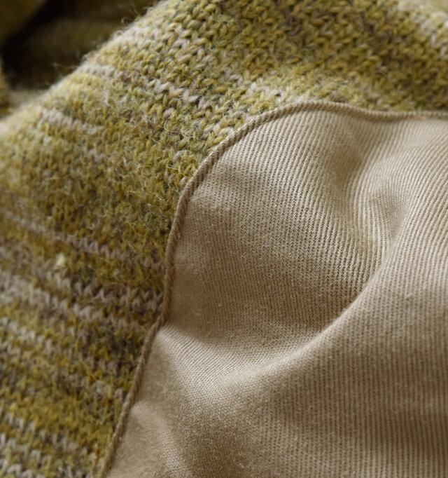 ミックスニットなのでスタイリングに深みと表情をプラス。 柔らかく、温かみのあるニットが優しく包み込んでくれます。