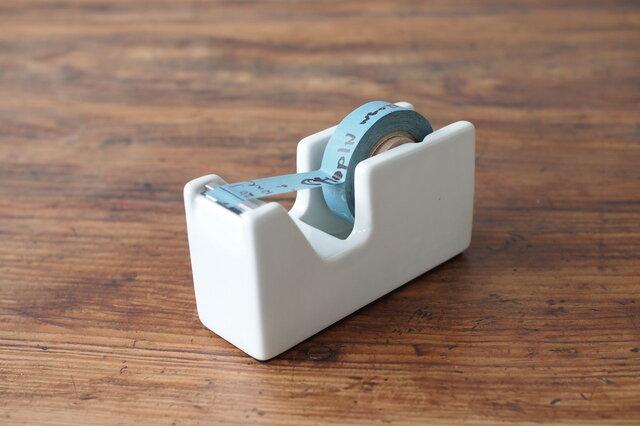 マスキングテープや小巻テープにピッタリな小さいサイズ。