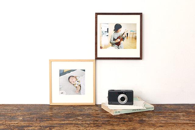 2Lましかくサイズ(左)と2Lサイズ(右)の写真を入れたイメージ