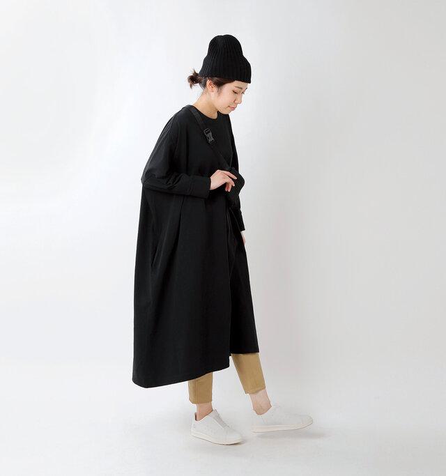 model hikari:165cm / 48kg color : white / size : 24.0cm