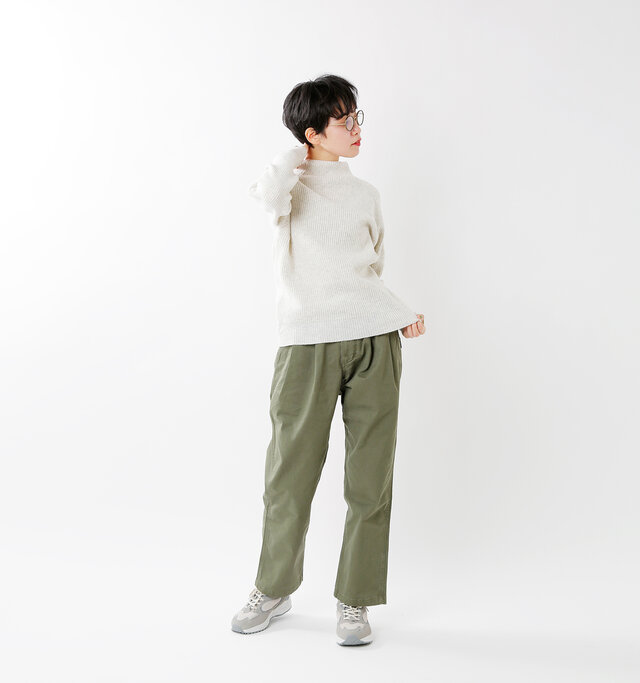 model saku:163cm / 43kg color : oatmeal / size : 1
