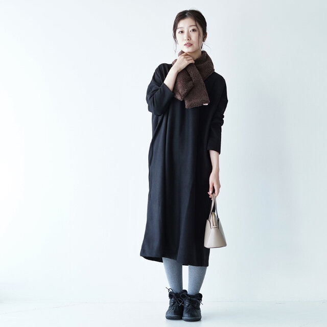 モデル:166cm / 47kg color : black(col.990) / size : free(フリーサイズ)