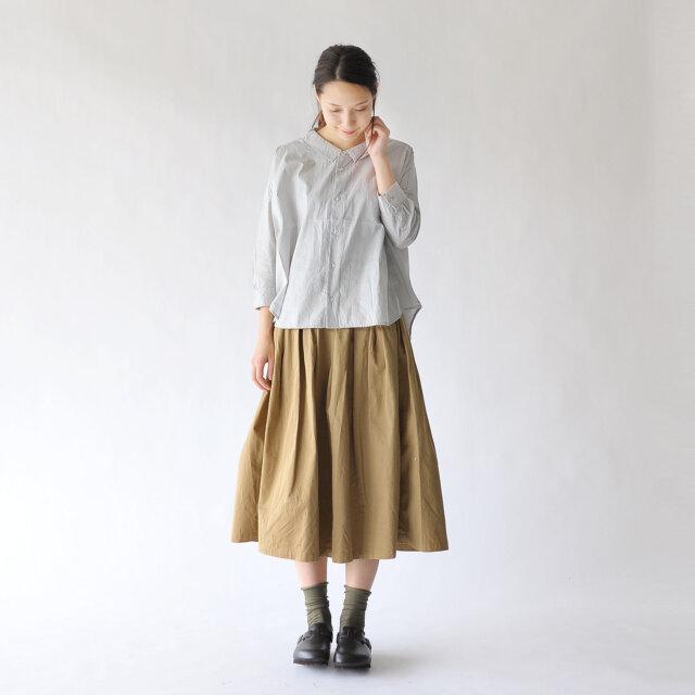 モデル:Rina / 164cm / 49kg color : beige(col.301) / size : 0(S)
