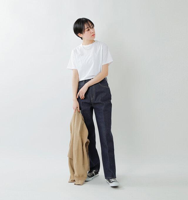 model saku:163cm / 43kg  color : white / size : F