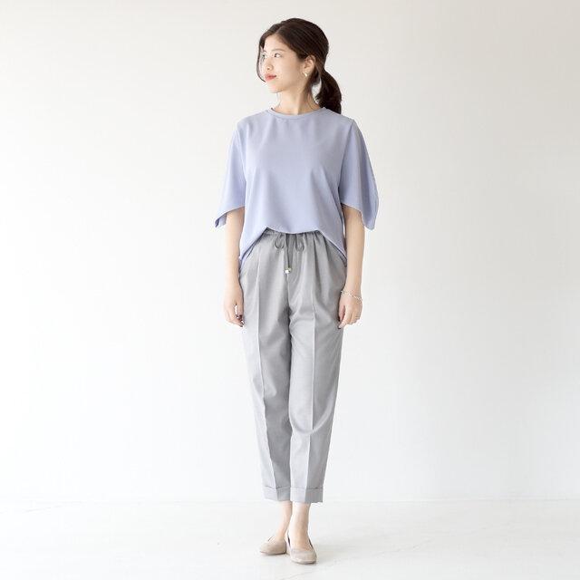 モデル:157cm / 47kg color : light grey / size : 36(M)
