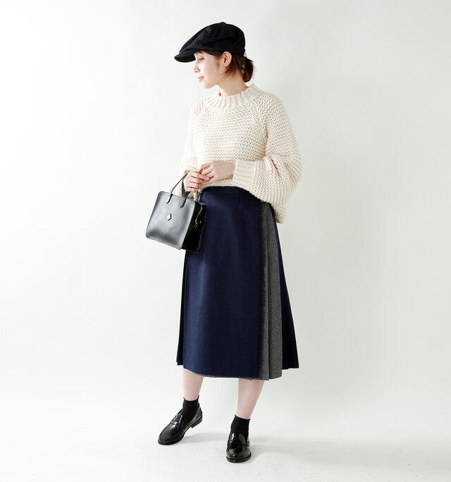 model yama:167cm / 49kg color : navy×gray / size : 10