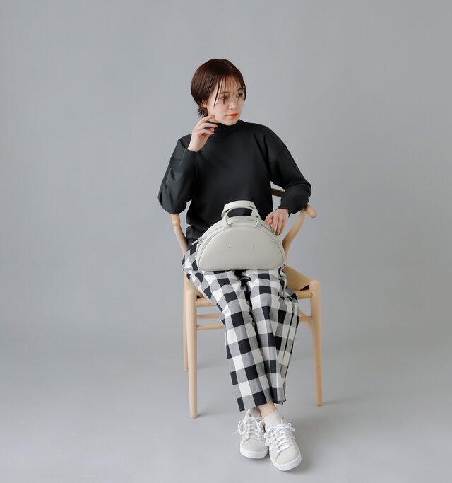 model:163cm / 43kg color :  olde worker's black / size : 40