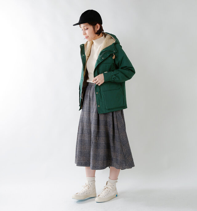 model yama:167cm / 49kg color : green / size : XS