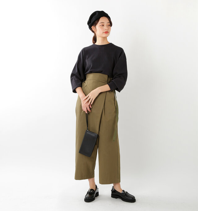 model kanae:167cm / 48kg color : black / size : 5.5(23.0cm)