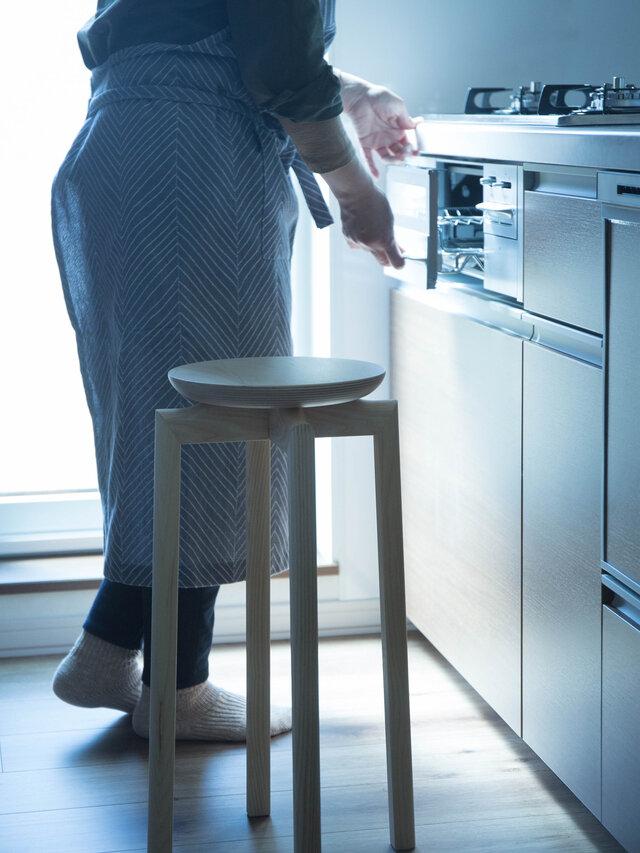 キッチンで使う場合は高さ580mmか630mmがおすすめです。