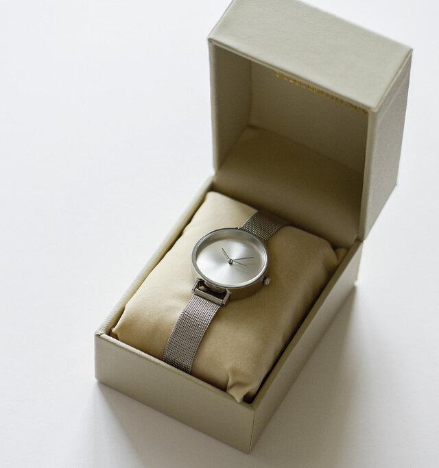 アイテムは高級感のあるボックスに入れてお届け。 使わないときは大切に保管ができ、プレゼントとしてもおすすめです。