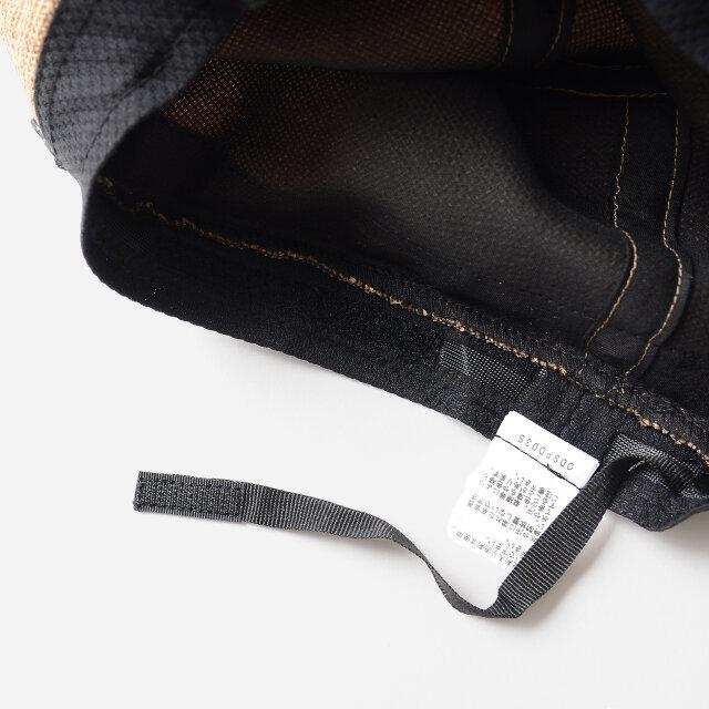 帽子裏のスベリに付けられたベロクロテープで頭囲のサイズ調整が可能。 より幅広い頭の形にフィットします。