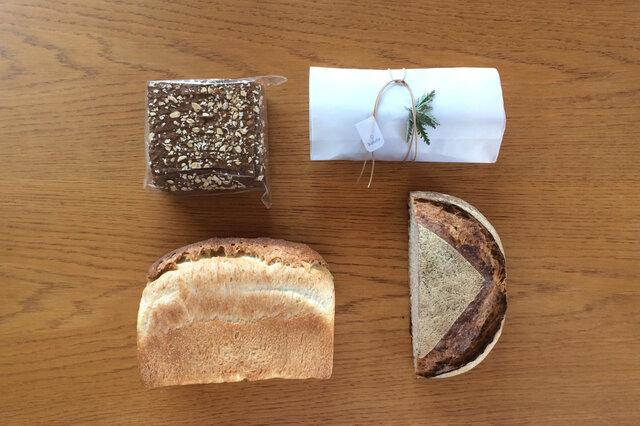 シュトレンと定番食事パン(エコロジスクブロ、フランスクブロ)、黒パンのスペシャルセット