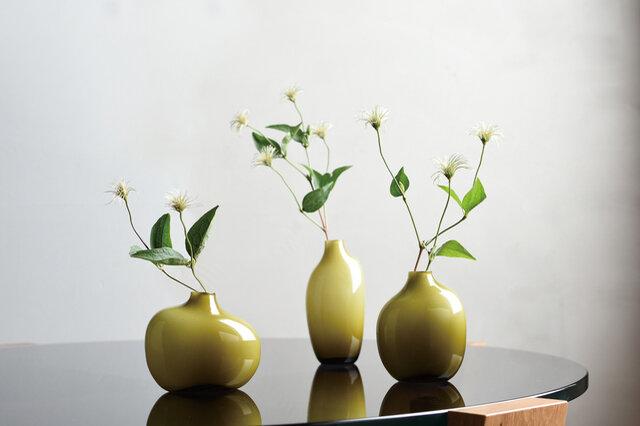 どんな草花にも合うシンプルなデザイン。