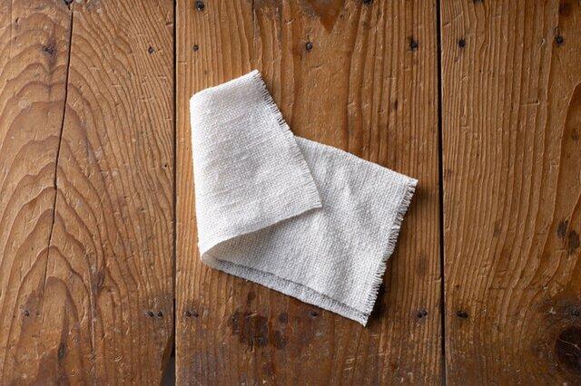 洗剤なしで食器洗いができるびわこふきん。じつは石鹸を泡立てて洗顔するのにも使えます!