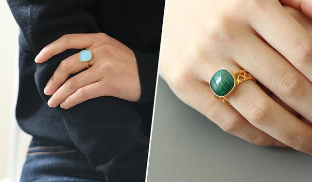 ひとつで十分存在感のあるこのリング。 だけどたまにはちょっとアレンジも。 ストーンの下に重なるように、華奢なリングをつけてみるのも◎ お手持ちのリングとコーディネートしてみてくださいね。
