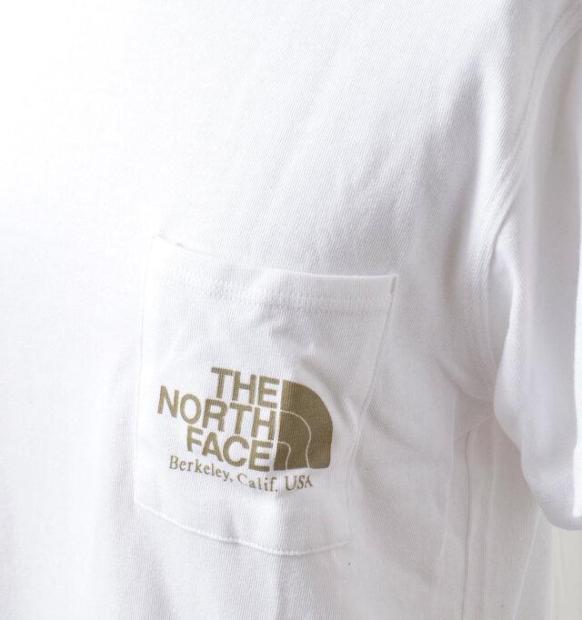 左胸ポケットにはブランドロゴがプリントされています。