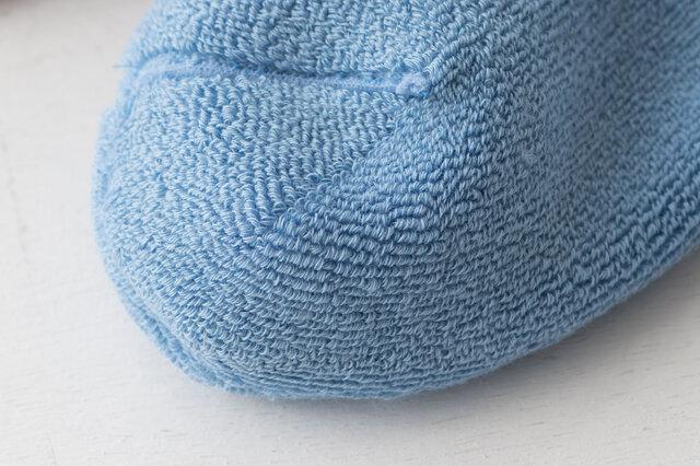 パイル編みの裏側はこんな感じ。ふわふわ柔らか!
