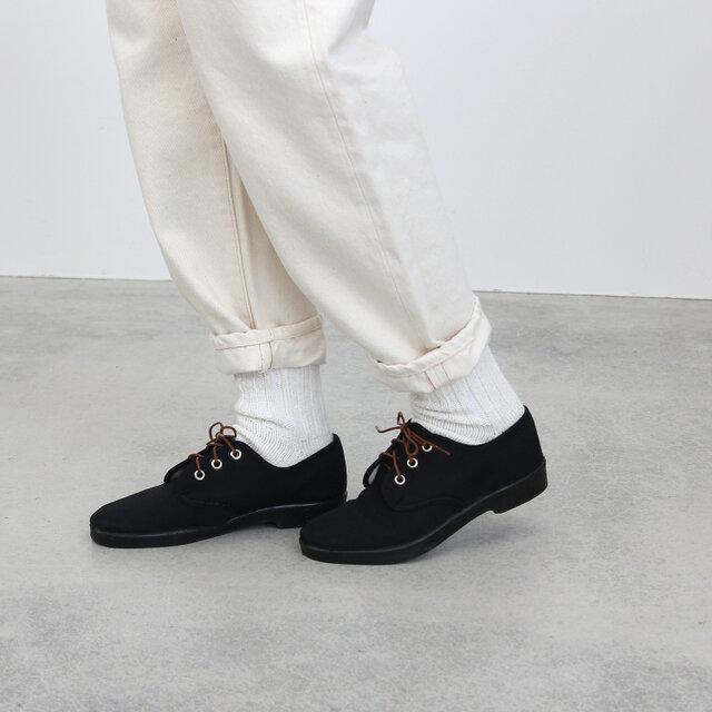 モデル|着用カラー black (black sole)