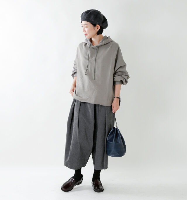 model mayu:158cm / 48kg color : khaki gray / size : 1