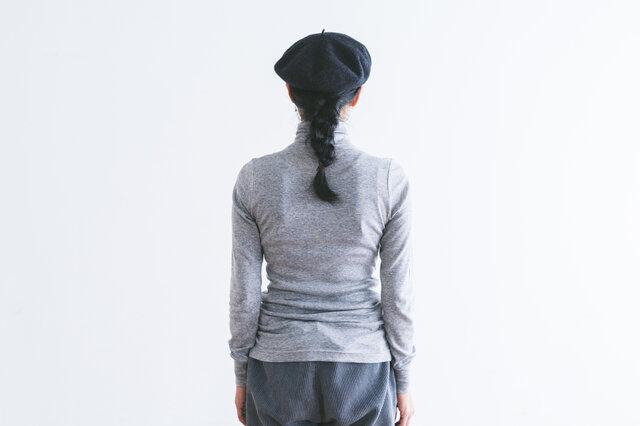 長めの着丈で、お腹や腰回りをすっぽりと包み込んでくれるのも嬉しいポイント。