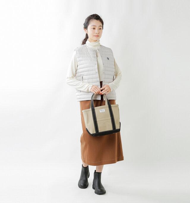 model mariko:162cm / 47kg  color : light beige / size : 1