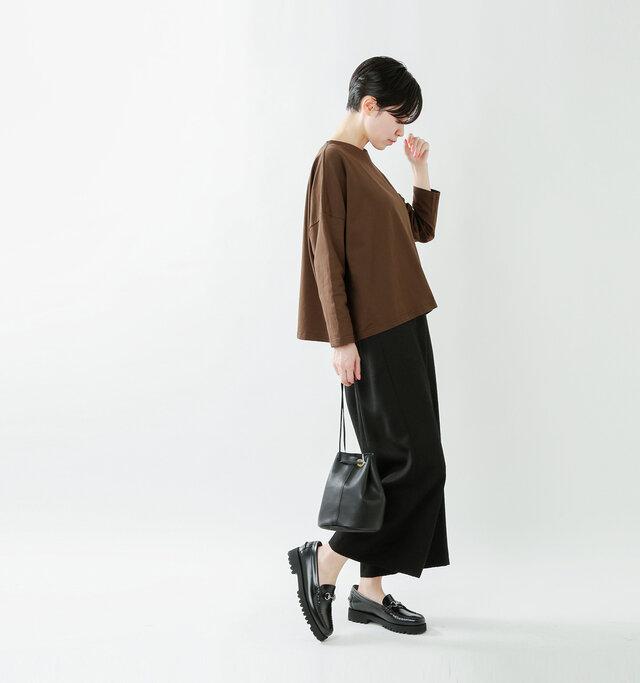model saku:163cm / 43kg color : brown / size : 1