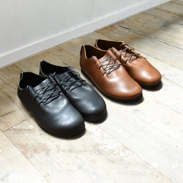 カラーは、black、brownの2種類をご用意しました。