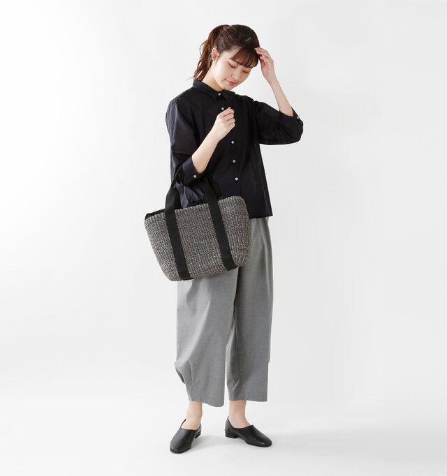 model kanae:167cm / 48kg color : gray×black / size : one