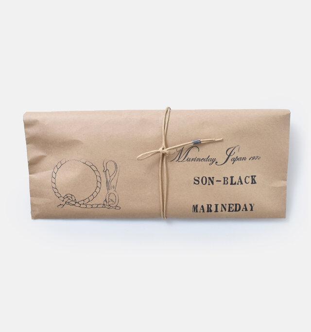 オシャレなクラフト紙のパッケージでお届け。ご自分へのご褒美に、プレゼントとしてもおすすめですよ。