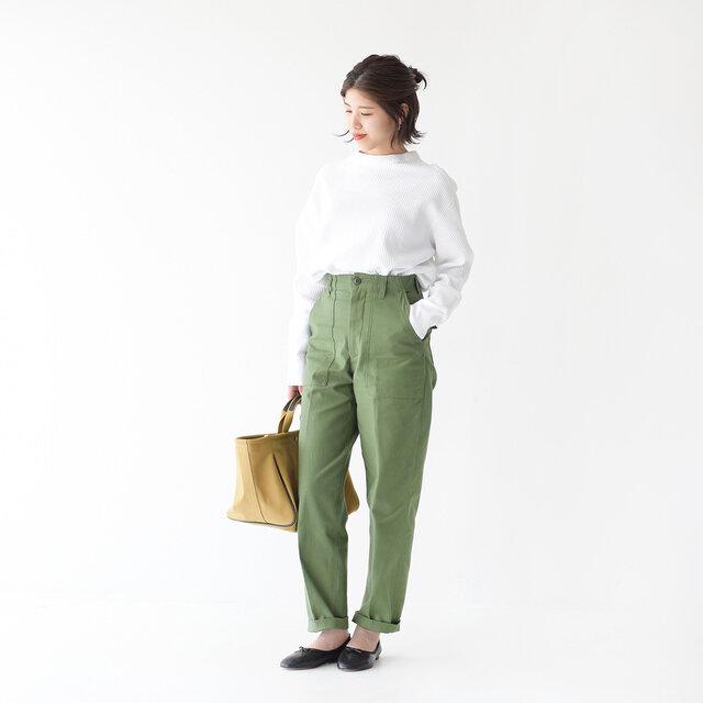 モデル:157cm / 47kg color : khaki / size : 34(M)  ▼モデル着用感 普段着用サイズ: <TOPS>S~Mサイズ / <BOTTOMS>S~Mサイズ ちょうど良いサイズです。シルエットがとても綺麗です。