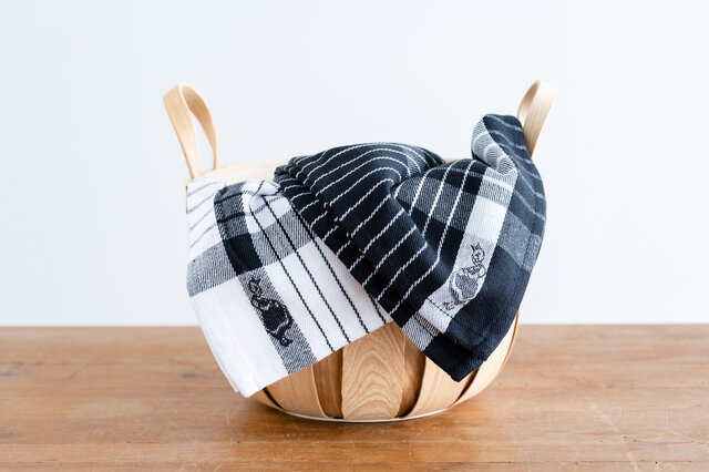 食器を拭く以外にも、食器洗いの際水切りに敷いたり、収納かごにかけておいたり、アイデア次第でいろいろな使い方ができそうです。