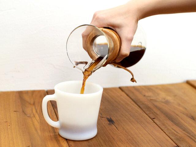コーヒーだけでなく、紅茶やハーブティーなどを淹れたり、ピッチャーや水差しにもお使いいただけます。