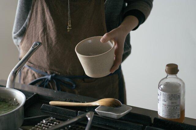 塩や砂糖壺にしてもよし。梅干しや漬物、常備菜を入れてもよし。使い方はあなた次第、用途は様々。