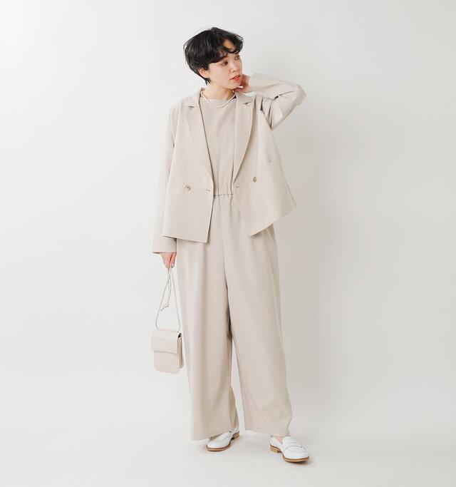 model saku:163cm / 43kg  color : beige / size : F