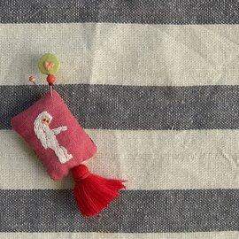 クロヤギシロヤギ|手刺繍ピンクッションとまち針のセット