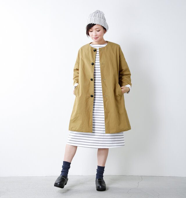 model mayu:158cm / 48kg color : walnut / size : 0  外に飛び出したくなる季節、サラっと羽織ったラフなスタイリングでお出かけを楽しんでみては?