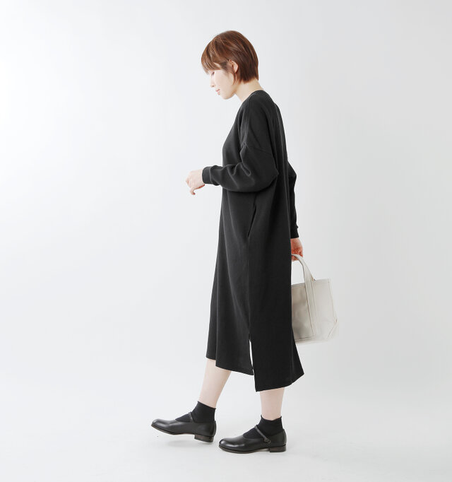 model yama:167cm / 49k color : black / size : 1