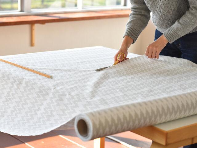 布小物を自作される方や、ちょっと生地の色合いや厚みなどを見てみたいという場合にピッタリな、おためしハーフカットもご用意しました。 ローゼンバーグコペンハーゲンのハーフカットは、サイズ:幅約75cm(生地幅の約半分)×長さは約50cm単位で 1枚からお気軽におためしご注文いただけます。