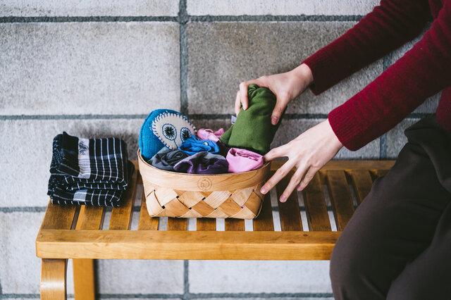 バスケットには、ベビー服やおもちゃなどお子さまグッズを収納してもキュートです。