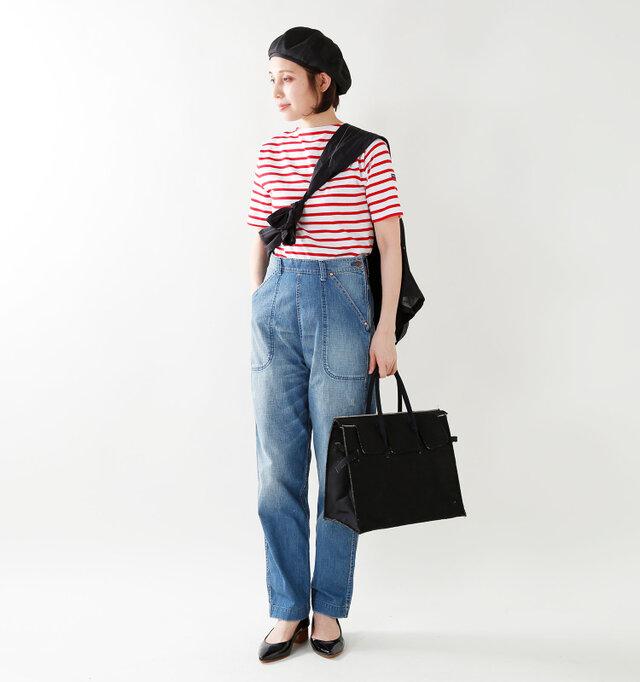 color : white×red / size : 1  小物にブラックを効かせたフレンチスタイル。ジャケットをたすきのようにかけて、ワンランク上のお洒落を楽しむのも◎
